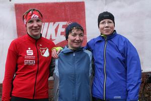 Schnellste Frauen: Ina Wildhagen, Simone Hamann und Regine Heutling (von links). Fotos: Bratke
