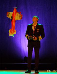 Showpilot Daniel Golla