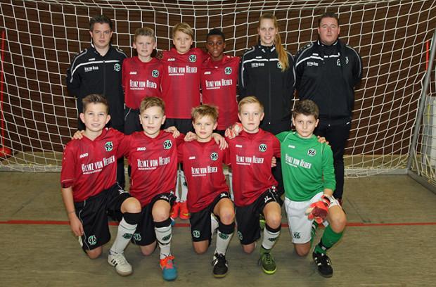 Heute: Mit Hannover 96 steht Jan-Erik (unten in der Mitte) in der Endrunde der U13-Niedersachenmeisterschaft.   Fotos: Bratke / NFV