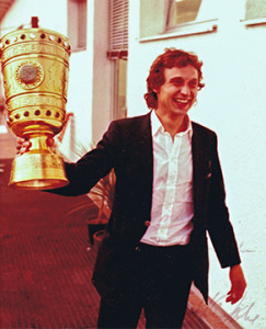 Pokalgewinn: Flocke mit dem Cup (1978).
