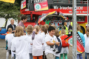 WM-Pokal-3-Fanbus