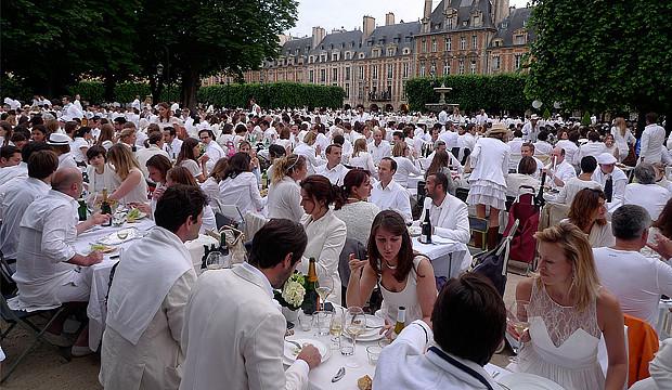 "Massenpicknick: ""diner en blanc"" jetzt auch in Barsinghausen"