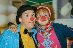 FOTO 03: Auch mit dabei: Die Clinic Clowns aus Hannover sorgten für Spaß am MSA-Platz.