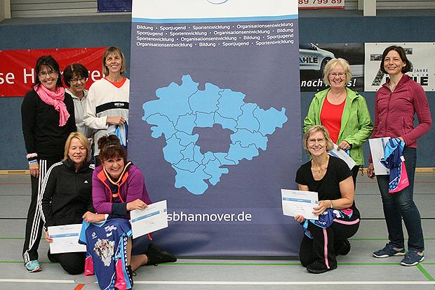 Jubilare beim Jubiläum: Acht Teilnehmerinnen feierten bei den zehnten Auflage des Frauensporttages gleichzeitig ihre zehnte Teilnahme, darunter auch fünf Damen vom SV Gehrden.