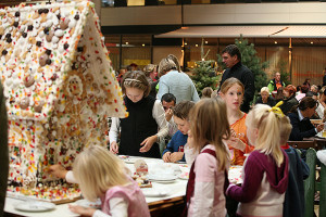 Spaß rund ums Hexenhaus: Die infa für Kinder bietet schon mal einen Vorgeschmack auf Weihnachten.
