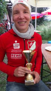 Alles richtig gemacht: Ina Wildhagen ging als letzte an den Start - und holte sich den Pokal.