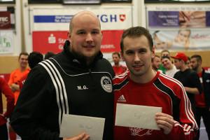 Ausgezeichnet: Markus Grajewski (links) vom SV Nothen/Lenthe avancierte zum besten Torhüter, während Robert Just vom TSV Barsinghausen Torschützenkönig wurde.