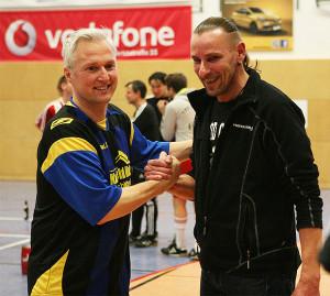 Tolle Gastgeber: Henry Kauke (links) und Peter Wolfram von den Sportfreunden Landringhausen.