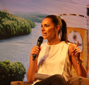 Von Sky: Moderatorin Esther Sedlaczek.