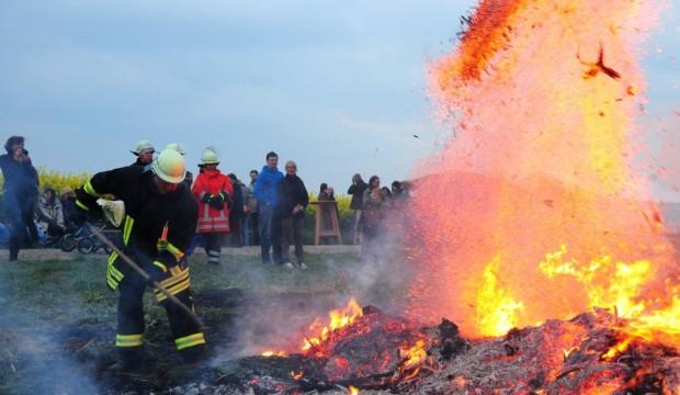 Bald brennen wieder die Osterfeuer in Barsinghausen