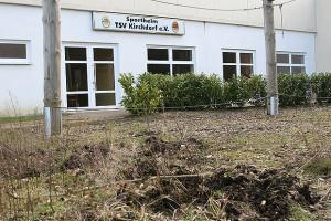 Am Clubheim: Der Schul-Klettergarten wurde ebenfalls in Mitleidenschaft gezogen. Foto: Bratke