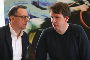 In Gesprächen: Martin Bader (links) und Daniel Stendel.