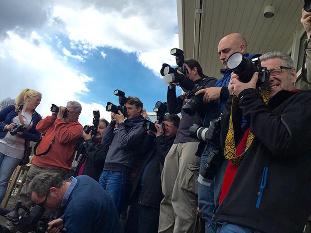 Großes Medieninteresse: Riesenandrang bei der Pressekonferenz des Hannoverschen Rennvereins. Fotos: Bratke (6) / HRV (1)