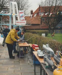 Abtauchen: Beim traditionellen U-Boot-Treffen der Barsinghäuser Schiffsmodellbauer war der FF-Trawler eher ein Exot.