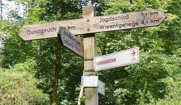 12 Stempel füllen den neuen Deister-Wanderpass der Region