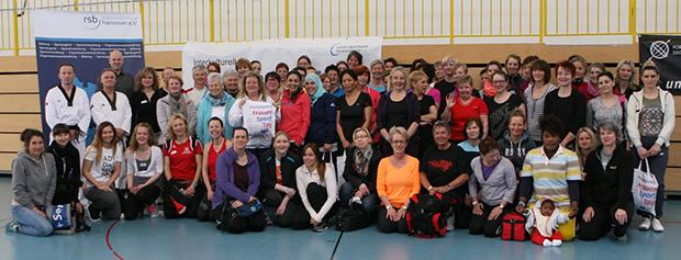 Mitgemacht: Der Interkulturelle Frauensporttag in Lehrte brachte eine neue Rekordbeteiligung. Fotos: Bratke