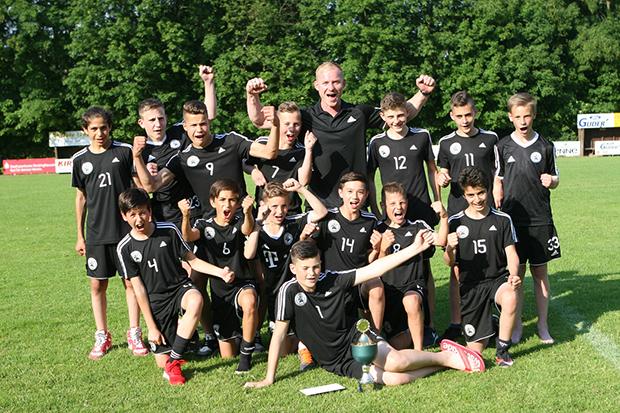 Titelträger Nummer 1: Die U13 des JFV Calenberger Land gewann die Konkurrenz der D-Junioren.