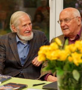 Im Gespräch: Rupert Neudeck (links) und Dr. Wilhelm Wortmann. foto:kasse