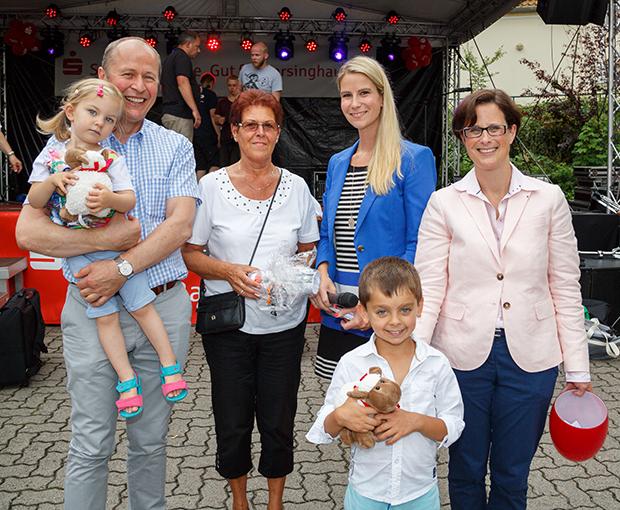 Führten locker durch den Tag: Von rechts Britta Sander, Vienna Heinrich und Reinhard Meyer (links), der auch schon mal eine tragende Rolle übernahm. foto:kasse