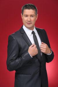 """Moderation: TV-Juror Joachim Llambi wird durch den """"Lady Elegance Wettbewerb"""" führen."""