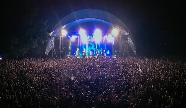 Erfolgreiche Open Air-Saison: Auch beim Irie Révoltés-Konzert Ende August wurden auf der Parkbühne gut 4500 Besucher gezählt. Foto: HC