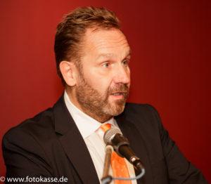 Lobt das soziale Engagement der Stadtsparkasse: Bürgermeister Marc Lahmann.