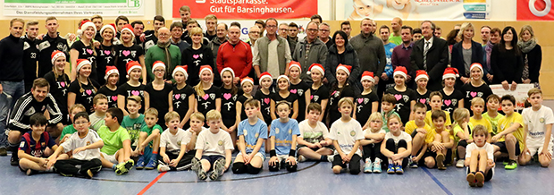 Gaststars: Vorführungen von Grundschulkindern und Turnerinnen des TSV Kirchdorf gehörten zum diesjährigen Show-Programm.   Fotos: uw