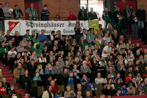 """Größte Fangruppe: Beim ersten Masters-Finale in der Swiss-Life-Hall stellten die """"Barsinghäuser Jungs"""" die zahlenmäßig größte Anhängerschar."""