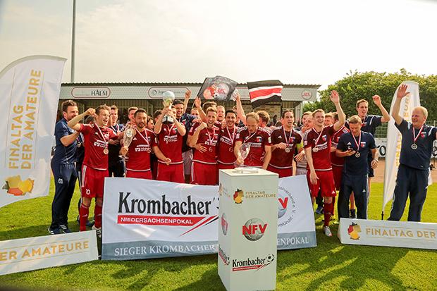 Nachfolger gesucht: Regionalligist Drochtersen/Assel feierte im Vorjahr seinen Pokaltriumph an der Egestorfer Ammerke.