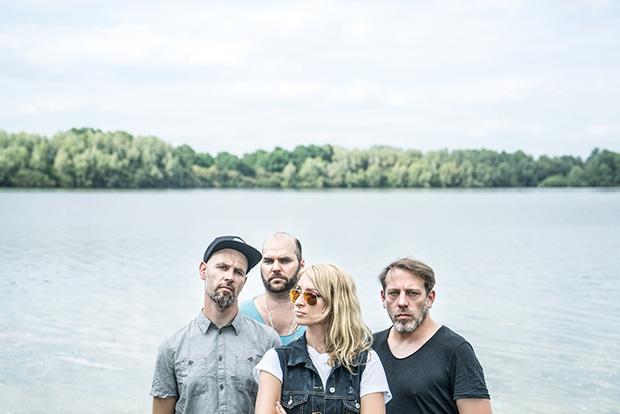 """Zur Feier des Tages: Die Guano Apes aus Göttingen haben ihr Durchbruchs-Debüt """"Proud Like A God"""" überarbeitet. Foto: Micha Lorenz"""