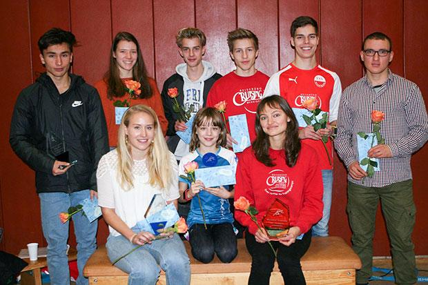 Herausragend: Feio Heß, Johanna Wistokat, Kjell Diersing, Jonas Kayer, Leon Martin und Jörn Kaise (stehend von links) sowie Antonia Schiel, Caroline Viole und Charlotte Köppe (sitzend von links).