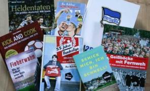 Fußball: Passende Lektüre für Fans auf dem Gabentisch