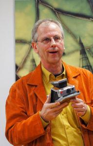 Polaroid-Fotokünstler: Markus Elsner aus Frankfurt stellt derzeit einige seiner Werke im Hause Futura aus.