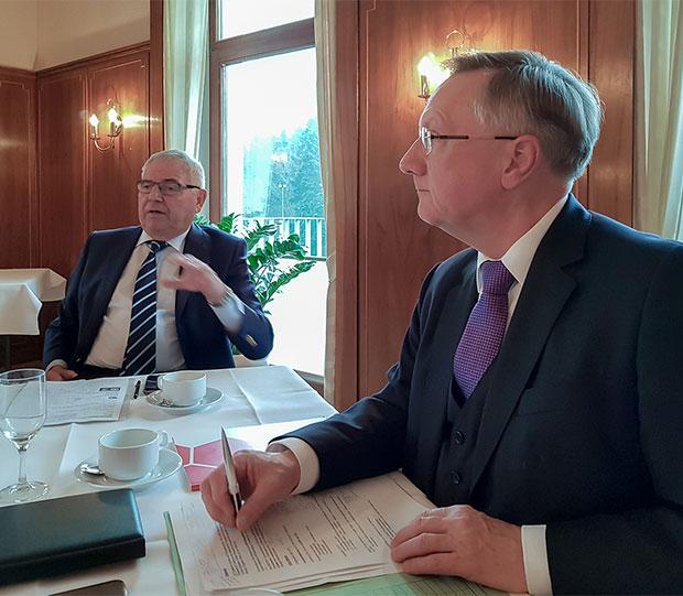 NFV-Präsident 5.0: Günter Distelrath (rechts) und sein Vorgänger Karl Rothmund.