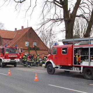 Stichflamme ruft Feuerwehr auf den Plan