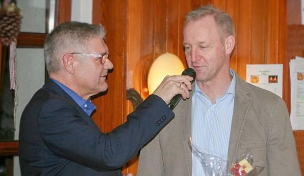 Talk mit dem Fußballgott: Holger Bratke (links) interviewt 96-Aufstiegsheld Carsten Linke.