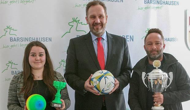 Premiere der Jugendpflege: Völkerball unter Schwarzlicht