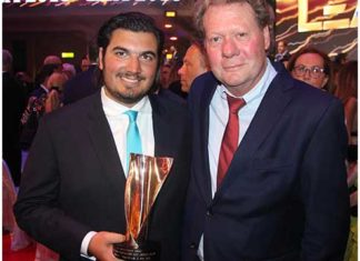 Stolze Preisträger: Nico Röger (links) und Michael Lohmann von HC. Foto: MusikWoche