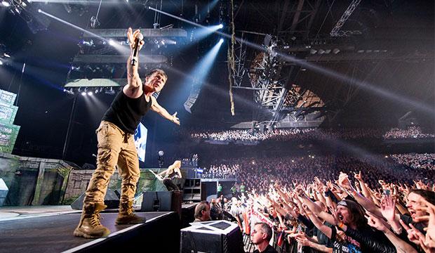 Pioniere des Heavy Metal: Bruce Dickinson und Iron Maiden am 10. Juni auf der Expo-Plaza. Fotos: John McMurtrie (2)