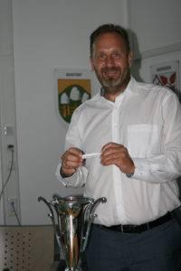 Losfee: Bürgermeister Marc Lahmann.