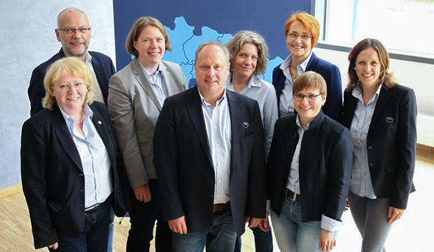 Einstimmig gewählt: Das neue Vorstandsteam des RSB Hannover (von links) mit Michaela Henjes (SchüV Langenforth), Carsten Elges (SchüV Ilten), Katharina Lika (TSV Groß Munzel), Ulf Meldau (SV 06 Lehrte), Diana Ringwelsky (SC Langenhagen), Dagmar Ernst (VfB Pattensen), Hilke Haeuser (RuF Berkhof) und Geschäftsführerin Anna-Janina Niebuhr.