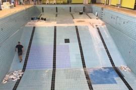 Erhebliche Schäden im Delfi-Bad: Hallenbereich geschlossen