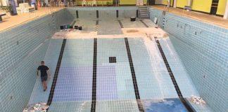 Erheblich beschädigt: Der Schwimmerbereich im Delfi-Bad Gehrden muss umfangreich saniert werden. Foto: Stadt Gehrden