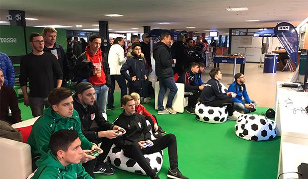 Virtueller Fußball: So könnte es aussehen – beim Fußball an der Konsole.