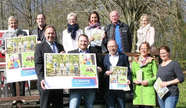 Gemeinsame Präsentation: Die Vertreter der sechs Deister-Kommunen freuen sich auf den 12. Deistertag am 5. Mai.