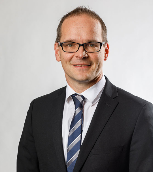 Fehlende Fachkräfte in den Kitas: Minister Jan Hendrik Tonne hält einen Impulsvortrag bei der Region Hannover.