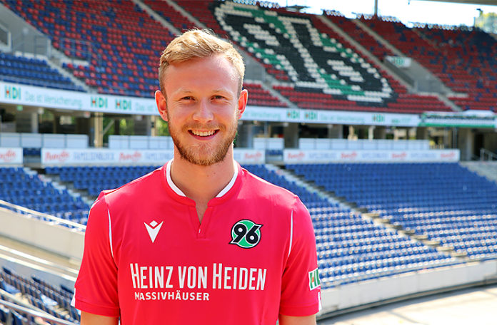 Cedric Teuchert - Hannover 96