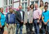 Reger Erfahrungsaustausch: Die Delegetion aus Tiznit, einer Stadt im Süden von Marokko, mit ihren Gastgebern vor dem Barsinghäuser Rathaus.