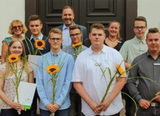 Frischer Wind im Barsinghäuser Rathaus: Sieben Nachwuchskräfte haben jetzt ihre Ausbildung bei der Stadtverwaltung Barsinghausen begonnen. Foto: Stadt Barsinghausen