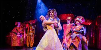Das Theater Liberi präsentiert den Märchenklassiker Die Schöne und das Biest im Theater am Aegi. Foto: Theater Liberi, Fotograf: Nilz Böhme